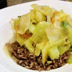 Sauté de légumes, sauce miso et érable